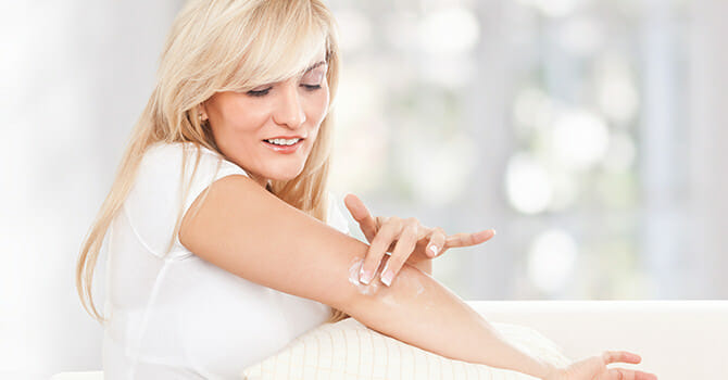 Dry Elbows Can Be Cured By Using Moisturizers