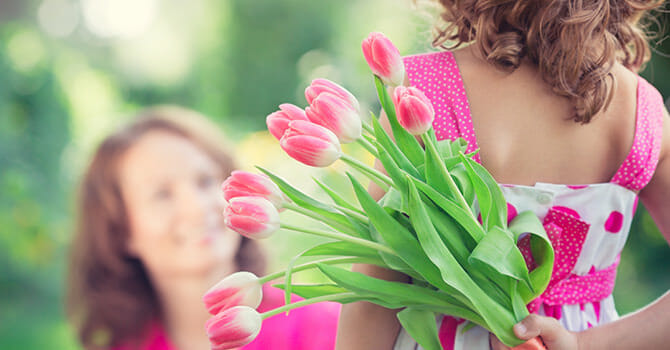Show Your Appreciation By Giving Your Mother A Gift On Mother's Day