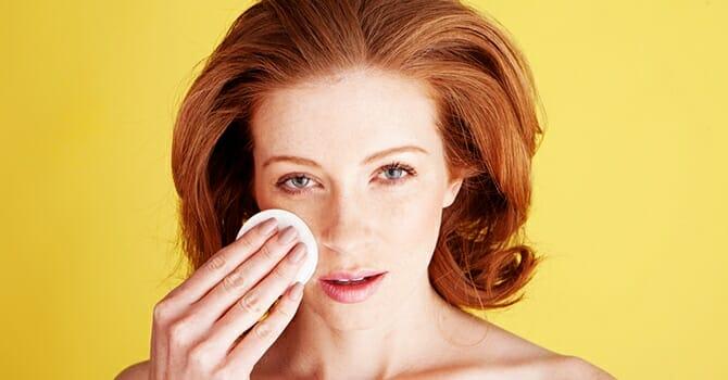 Skin Moisturizing Keeps Out Skin Glowing