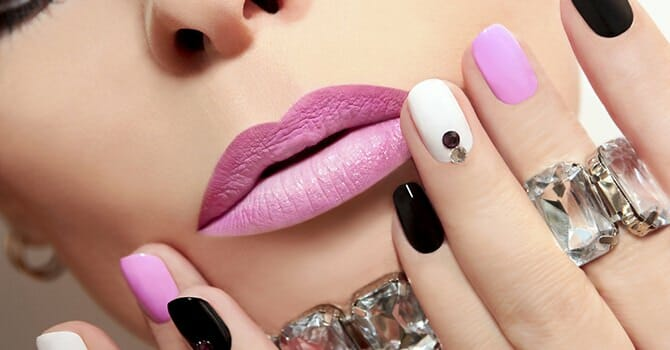 Popular Nail Trends Are Flashy